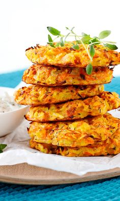Juurespihvit | Maku Vegan Dinner Recipes, Easy Healthy Recipes, Vegetable Recipes, Wine Recipes, Vegetarian Recipes, Cooking Recipes, Veggie Food, I Love Food, Good Food