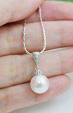 pearl drop Necklace, simple,elegant, beautiful.