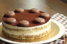 750 grammes vous propose cette recette de cuisine : Gâteau façon tiramisu. Recette notée 4/5 par 344 votants