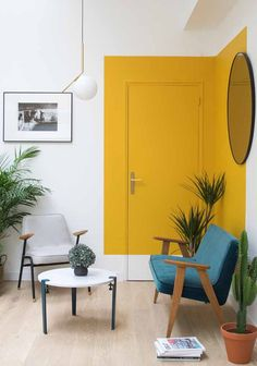 A unique paint trend that pops up again and again in cool interiors. House interior Paint Saint: A Unique Paint Trend That Pops Up Again and Again in Cool Interiors Diy Interior, Modern Interior Design, Home Design, Interior Decorating, Yellow Interior, Interior Paint Design, Scandinavian Interior, Interior Design Inspiration, Interior Painting Ideas