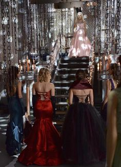 """Mona, Spencer, Aria, Hanna and Emily - 5 * 25 """"Welcome to the Dollhouse"""""""