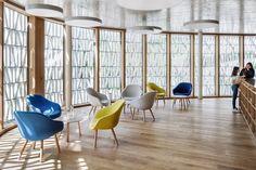 BAUWELT - Stadtbibliothek Dornbirn Home Library Rooms, Little Library, Cosy Corner, Glass Facades, Learning Spaces, Reading Room, Bookshelves, Living Room, Public