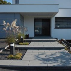 Garden Fence Entrance stairway Courtyard entrance Canopy Architecture Housing House entrance Design Front yard Modern – Boisholz – rnrnSource by Entrance Design, House Entrance, Modern Landscaping, Front Yard Landscaping, Landscaping Ideas, Canopy Architecture, Front Entrances, House Front, Stairways