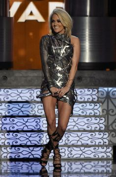 Ellanista — Carrie Underwood swapped into a metallic Manuel...
