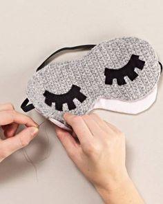 Leinenbrille mit Häkelbrille verbinden