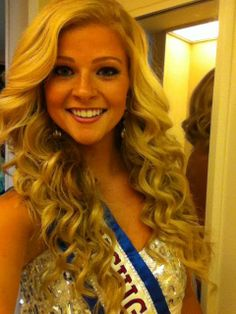 pageant hair - wish I could curl my hair like this