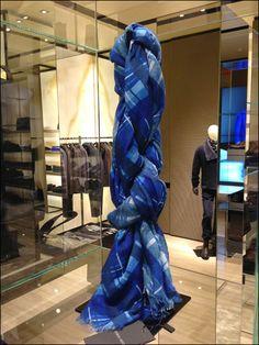 Giorgio Armani Ties a Scraf Knot Braided Scarf, Scarf Knots, Giorgio Armani, New Crafts, Retail Design, Visual Merchandising, Silk Ties, Braids, Tie A Scarf