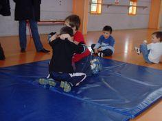 jeux d'opposition - suite - Le blog de delphine Delphine, Basketball Court, Hui, Blog, Physical Education Activities, Gym, Athlete, Blogging