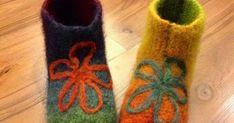 Neuloosi vaivaa neljässä sukupolvessa. Isomummi 96v, mummi 68v, minä 45v ja minun lapset 20, 18, 14 ja 10v. Puikot viuhuu! :) Slippers, Crochet, Accessories, Fashion, Crochet Hooks, Moda, Sneakers, Fashion Styles, Slipper