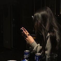Black Hair Aesthetic, Korean Aesthetic, Aesthetic Images, Aesthetic Girl, Cool Girl Pictures, Girl Photos, Long Black Hair, Dark Hair, Grunge Photography