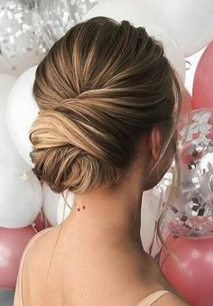 Women Hairstyles Indian Check out the link to learn more wedding hairstyles elegant Hairstyles Indian Check out the link to learn more wedding hairstyles elegant Bridal Hair Updo, Elegant Wedding Hair, Wedding Hair And Makeup, Hair Makeup, Wedding Updo, Wedding Bride, Elegant Hairstyles, Loose Hairstyles, Bride Hairstyles