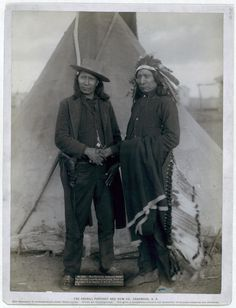 """""""Red Cloud and American Horse."""" The two most noted chiefs now living Two Oglala chiefs, American Horse (wearing western clothing and gun-in-holster) and Red Cloud (wearing headdress) 1891 Native American Photos, Native American Tribes, Native American History, American Indians, Old West, First Nations, Red Cloud, Indian Pictures, Native Indian"""