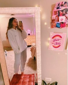 Source by outfits for college what to wear Cute Lazy Outfits, Outfits For Teens, Trendy Outfits, Girl Outfits, Fashion Outfits, Comfy School Outfits, Sporty Outfits, Teenager Outfits, College Outfits