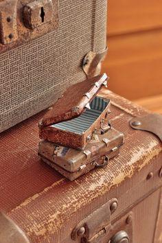 tutorial: miniature suitcases