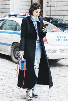 How the Best Dressed Girls Will Stand Out This Fashion Week Long Coat Outfit, Stylish Winter Coats, New York Fashion, Fashion Fashion, Fashion Ideas, Fashion Outfits, Street Style Looks, Street Chic, Autumn Winter Fashion