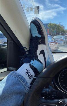 Bad bitch socks – My Favorite Jordan Shoes Girls, Girls Shoes, Jordan Outfits, Souliers Nike, Sneaker Trend, Sneaker Outfits, Nike Air Shoes, Nike Socks, Cute Sneakers