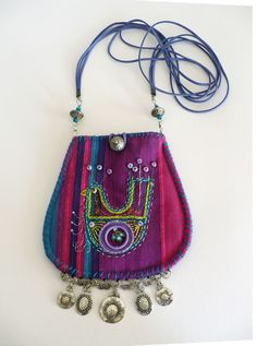 Fransien de Vries - Blog Fabric Purses, Fabric Bags, Sewing Accessories, Diy Bags, Handmade Bags, Beautiful Bags, Textile Jewelry, Fabric Jewelry, Purses And Bags