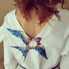 Very beautifully embroidered. Embroidery On Clothes, Embroidered Clothes, Embroidery Fashion, Embroidery Patterns Free, Embroidery Designs, Boho Fashion, Fashion Dresses, Womens Fashion, Cool Outfits