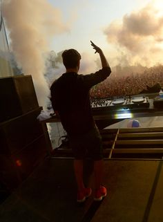Martin Garrix Photos Photos - Martin Garrix performs onstage during day 4 of the Firefly Music Festival on June 22, 2014 in Dover, Delaware. - Firefly Music Festival - Day 4