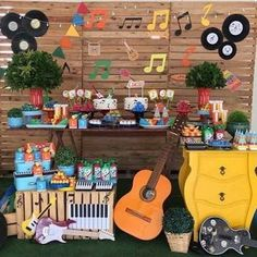 Ideas For Music Party Theme Kids Birthdays Beatles Birthday Party, Music Theme Birthday, Rockstar Birthday, Music Themed Parties, Baby Boy 1st Birthday, Birthday Party Themes, Birthday Crafts, Husband Birthday, Music Party Decorations