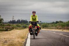 Al ritmo de la bicicleta :) .  La vida de Viaje. www.selkn.cl  #selkn #travel #lifestyle #outdoors #ciclotouring #hechoenchile #photography #adventure #healthylifestyle #lifestyleblogger #baselayer #outdoor #outdoorlife #lifestylephotography #cicloturismo  #bike  #trips #sudamerica #lavidadeviaje