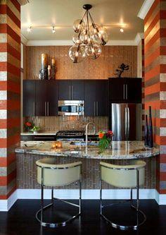 Veja aqui como decorar cozinha pequena em inspirações possíveis de se fazer, confira!