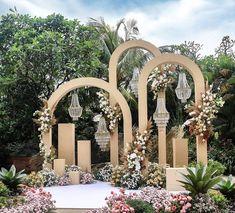 Jessandra 🦋 (@jessandrapusparani) • Instagram photos and videos Wedding Photo Gallery, Wedding Vendors, Dried Flowers, Photo Booth, Earthy, Wedding Planner, Photo Galleries, Whimsical, Long Awaited