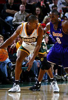 Ray Allen & Kobe Bryant  www.kingsofsports.com  follow us on instagram @sportswhatelse @mamutya @amamutin