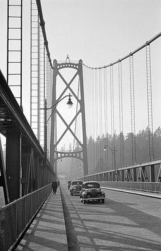 [Cars and pedestrians on the Lions Gate Bridge] - City of Vancouver Archives Vancouver Travel, North Vancouver, Vancouver Island, Old Pictures, Old Photos, Vintage Photos, West Coast Canada, Lions Gate, Visit Canada