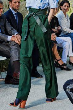 Salvatore Ferragamo Spring 2020 Ready-to-Wear Fashion Show - Salvatore Ferragamo Spring 2020 Ready-to-Wear Collection – Vogue 2020 Fashion Trends Mode - {hashtag} Fashion 2020, Look Fashion, Runway Fashion, Fashion Show, Fashion Outfits, Womens Fashion, Fashion Design, Vogue Fashion, Green Fashion