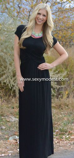 www.sexymodest.com  #fall #fashion #dress #maxi #black #love #pretty #beautiful #model #fashionblog  Follow us on Instagram @modestshoppin