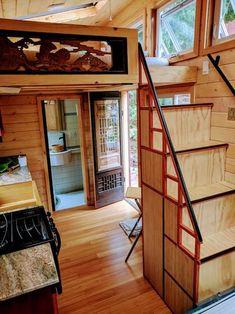 japan tiny apartments - Ricerca Google Japanese Tea House, Beautiful Homes, House Beautiful, Small Case, Sleeping Loft, House Stairs, Tiny House On Wheels, Tiny Living, Sunroom