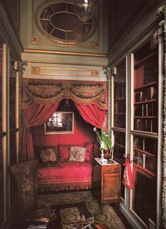 Alcove bed in Hotel de Sagonne - Jacques Garcia's Paris home. From Private Paris by Marie-France Boyer. Alcove Bed, Interior And Exterior, Interior Design, Marquise, French Interior, French Cottage, French Furniture, Contemporary Interior, Beautiful Interiors