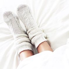 People are more likely to quickly fall sleep by having warm hands and feet. Do you like to sleep with your socks on? Cosmopolitan, Next Clothes, Clothes For Women, Comfort Mattress, Cozy Socks, Daily Look, Sweater Weather, Best Brand, Leg Warmers
