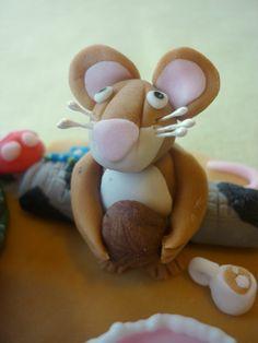 Mouse from The Gruffalo - cake topper Gruffalo Trail, Gruffalo Party, The Gruffalo, 20th Birthday, Baby Birthday, Birthday Cakes, Birthday Board, Food Art, Cake Toppers