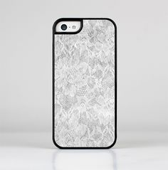 The White Textured Lace Skin-Sert for the Apple iPhone 5c Skin-Sert Case