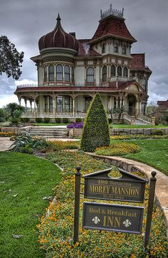 Victorian House - The Morey Mansion, Redlands, CA, 1890 (photo by Dave Toussant. An almost Russian onion dome over a round tower AND a squared tower with widow's walk. Old Mansions, Abandoned Mansions, Abandoned Houses, Abandoned Places, Old Houses, Victorian Architecture, Beautiful Architecture, Beautiful Buildings, Beautiful Homes