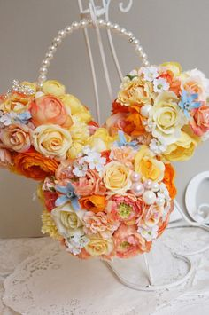 Flower Crafts, Flower Art, Party Ideas, Gift Ideas, Flower Ideas, Corsage, Bouquets, Flower Arrangements, Centerpieces