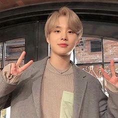 """Comment jungwoo under this , let's get him to trending"" Taeyong, Jaehyun, Nct 127, Winwin, Powerpuff Girls, Rapper, Kim Jung Woo, Korea, Entertainment"