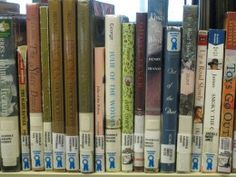 Newbery Award winners since 1922 with grade level recommendations. Awesome resource to have! Newberry winners are all such great books, and it's nice to have access to all of them in one place, especially separated by grade level. Kids Reading, Teaching Reading, Reading Lists, Kids Writing, Teaching Tips, Guided Reading, Library Lessons, Library Books, Library Ideas
