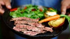 Video: Tässäkö seuraava grillihitti? Skirt steakin juju on leikkaamisessa