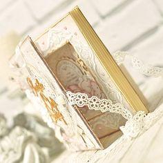 mdbapg7 'faux book' card