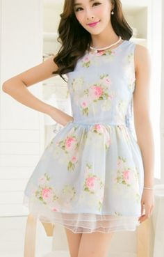 I wish this dress was about 10 inches longer! I love the print/colors!