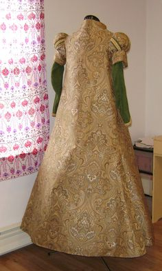Renaissance Loose Bodied Gown 36 Bust by historicaldesigns on Etsy