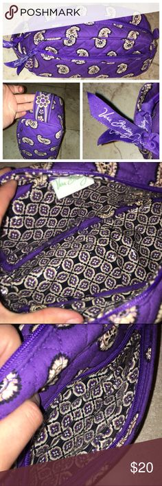 """Vera Bradley Simply Violet Trip Kit This Vera Bradley trip kit is in retired pattern Simply Violet. The size of this bag is medium and holds quite a few things. Comes with a full zip top and zipper pouch on the front. The bag is fully lined to protect from any makeup stains. This bag is in like new condition. Bundle and save 15% or make an offer, no trades! Measures: 9.50"""" x 4.25"""" x 4.75"""" Vera Bradley Bags Cosmetic Bags & Cases"""