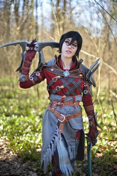 Hawke from Dragon Age II Cosplay http://geekxgirls.com/article.php?ID=6752