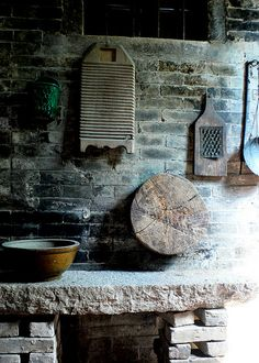 Japanese Aesthetic: 35 Wabi Sabi Home Décor Ideas Primitive Homes, Primitive Kitchen, Old Kitchen, Rustic Kitchen, Kitchen Art, Kitchen Tools, Kitchen Gadgets, Primitive Decor, Kitchen Designs