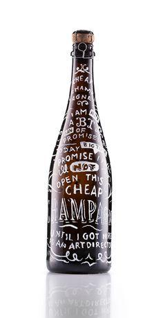 Diese handbemalten Champagner Flaschen wurden als Direct Mailing verschickt. Creative Direction, Text, Illustration Martin Sulzbach Photography Poschner Photography