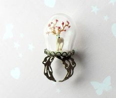 Terrarium Ring globe with white Deer in snow and red by HoKiou,