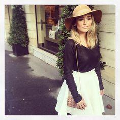 Few days ago w #beautiful @makeup_bymai in #paris #pfw #ootd #skirt #etiennejeanson #tweed #bride